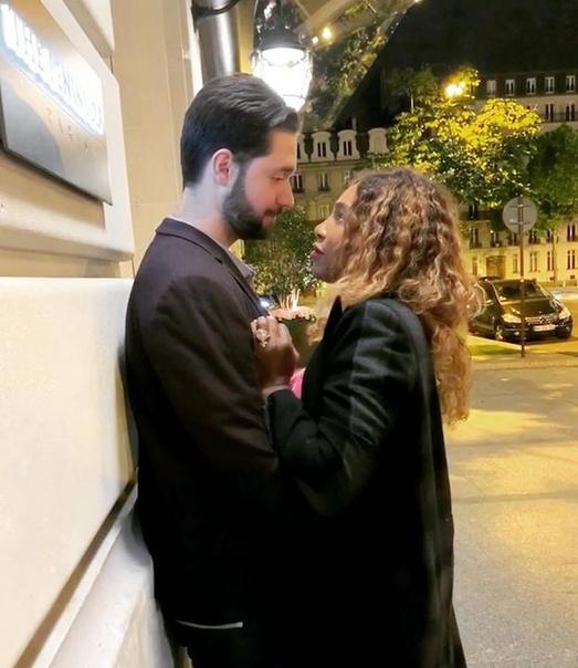 Чуть романтики Из всех ухажеров Серена выбрала миллионера-романтика с армянскими корнями. Посмотрите на их пару.Американская теннисистка Серена Уильямс спортсменка, транслирующая на корте мощь и