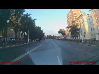 Появилось видео ДТП с участием скорой помощи в Подольске - ранним утром .