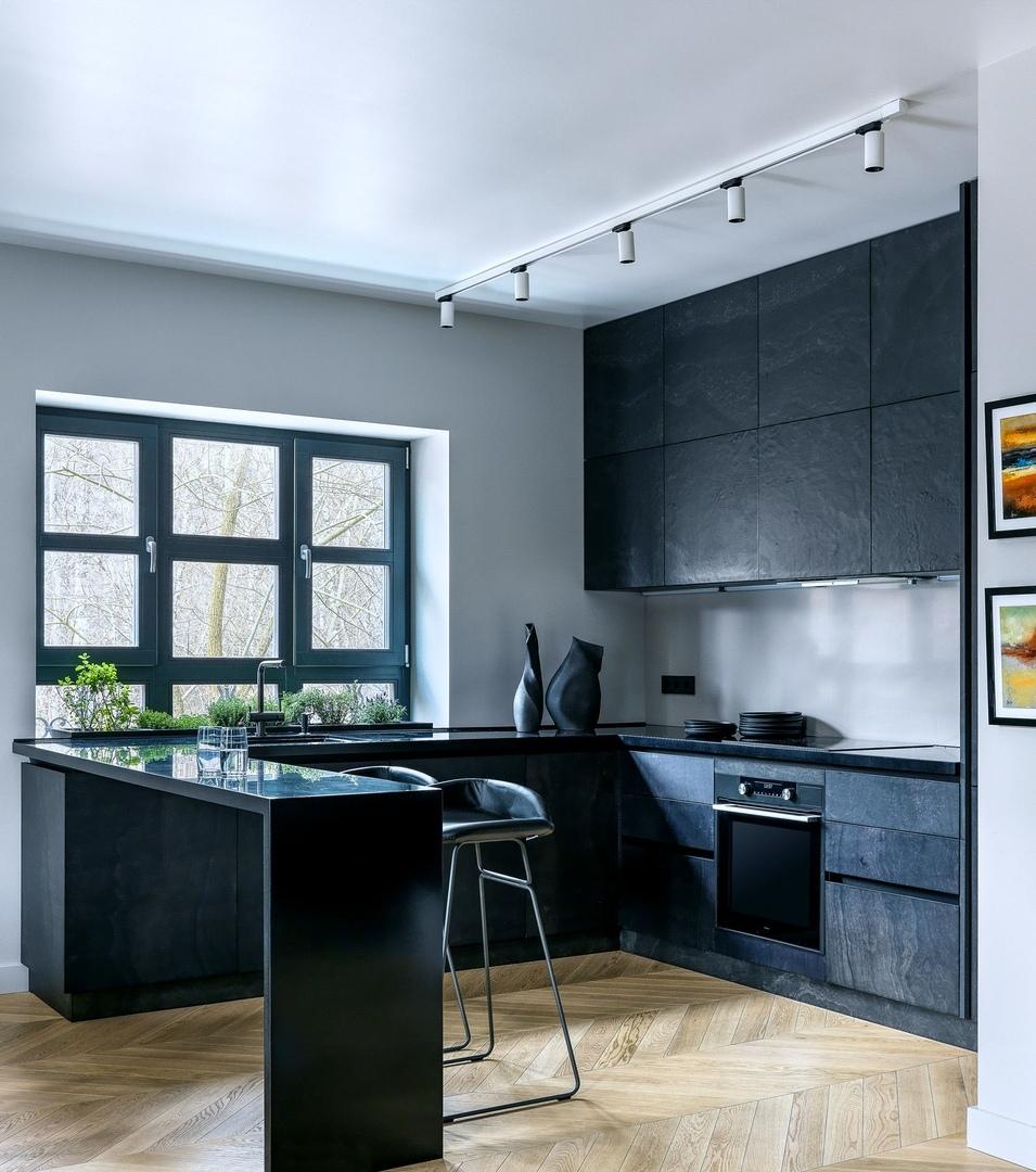 Глубокие цвета в квартире от студии Atelier Interior || 01