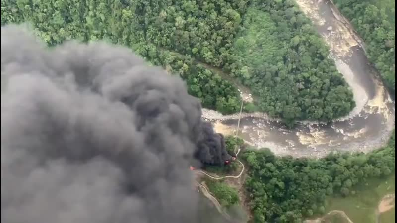 Atentan contra el oleoducto Trasandino en Orito, Putumayo. El derrame del crudo afecta al río Guamuez