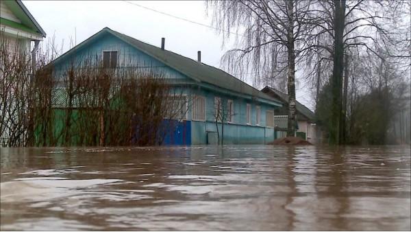 Ливни наводнения