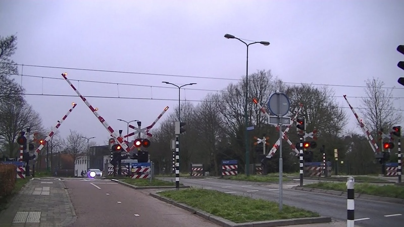 Spoorwegovergang Soest Zuid Dutch railroad crossing