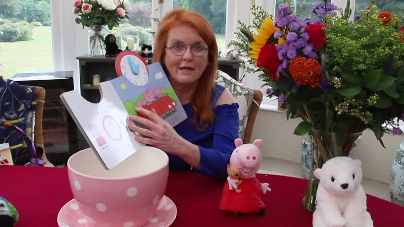 Sarah Ferguson reading Peppa Pig s Busy Day by Peppa Pig