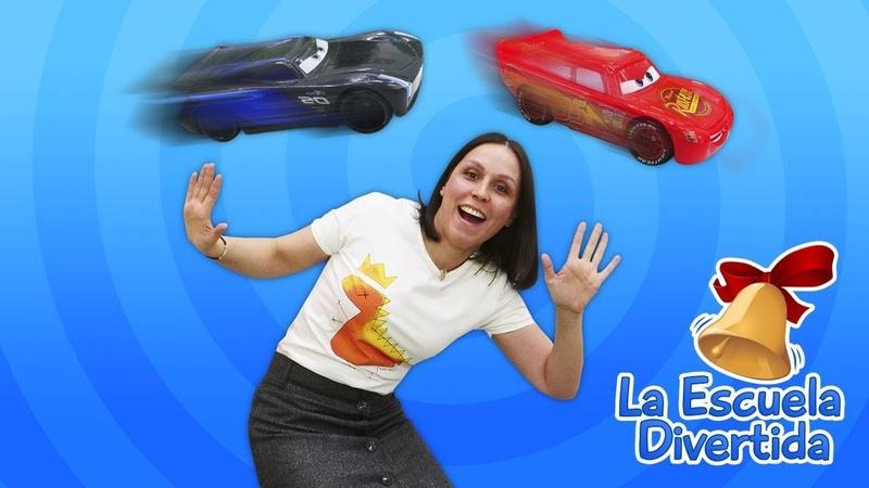 Reparamos el coche McQueen para una carrera La Escuela Divertida Vídeos para niños