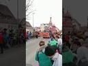 Немцы празднуют карнавал, пляшут под Калинку и везут Путина на троне. 24. Февраля 2020 года.