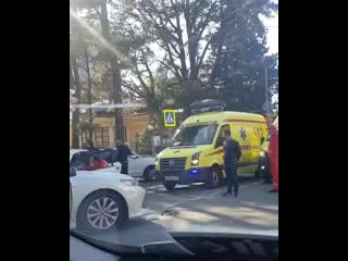 ДТП на перекрёстке улицы Соколова и Курортного проспекта с участием двух иномарок