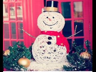 Делаем снеговика из ниток и клея ПВА! Красивая поделка на Новый Год!