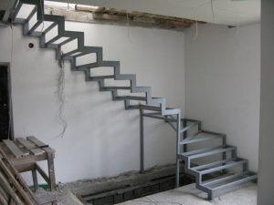 Лестница из профильной трубы своими руками: чертежи и пошаговый монтаж, изображение №41