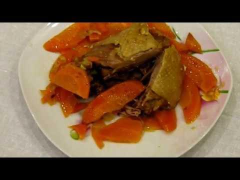 Курочка тушенная с морковкой