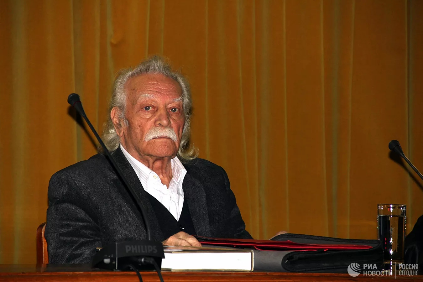 Умер «первый партизан Второй мировой войны» Манолис Глезос
