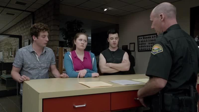 Микки Лип и Дебби забирают Йена из полицейского участка 5 06