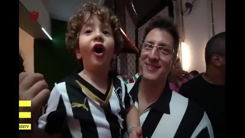 O pai compra camisa mas não compra o coração do filho...