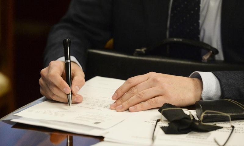 Глава Фрунзенского врёт в декларации: СК попросили проверить доходы Серова
