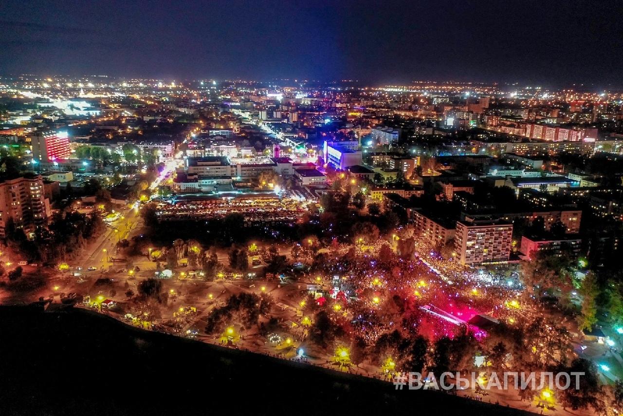 Просто оцените этот размах с высоты (фото от Василия с Набережной где Время и Стекло)