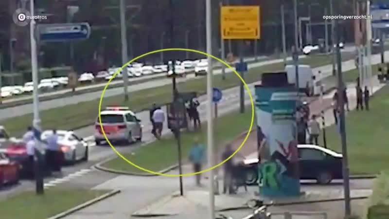 Scandale aux Pays-Bas. Un policier se fait sauvagement agresser lors du passage en force dun convoi de mariage marocain