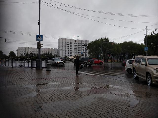 Дождь площадь Ленина