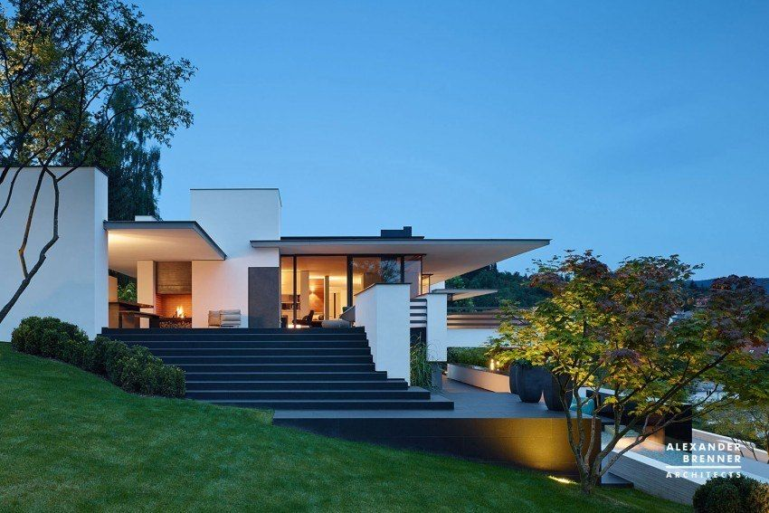 Alexander Brenner Architects Design a Contemporary Home in Reutlingen, Germany