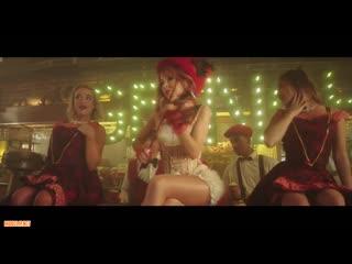Lindsey Stirling ft. Sabrina Carpenter - Youre A Mean One, Mr. Grinch