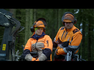 Last Woman on Earth with Sara Pascoe: Series 1 Episode 3 «Finland » (BBC Two 2021 UK)(ENG/SUB ENG)