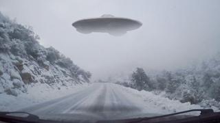 👽 Huge UFO Filmed By Driver In Colorado (CGI)