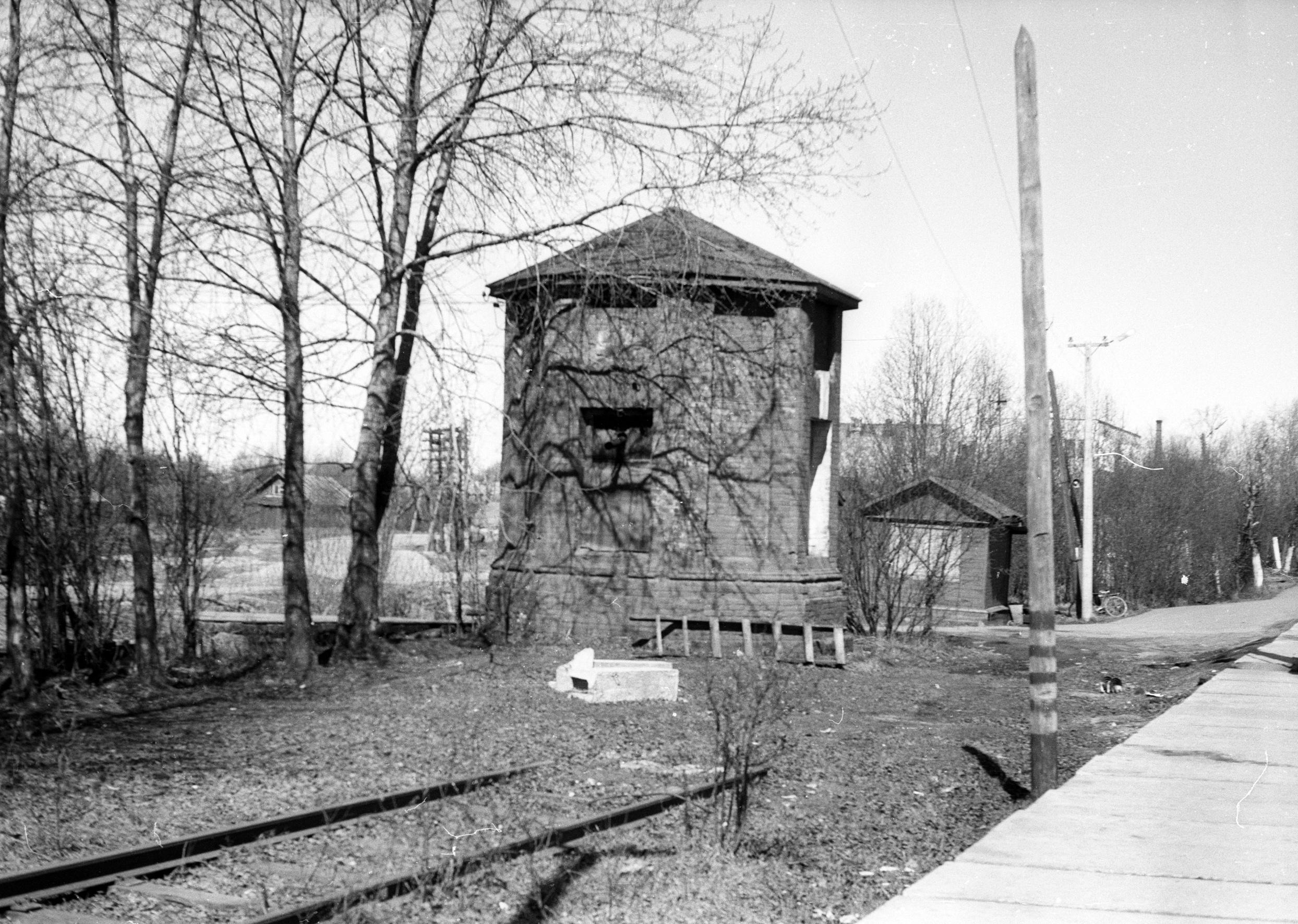 Самое первое каменное сооружение в Коноше –