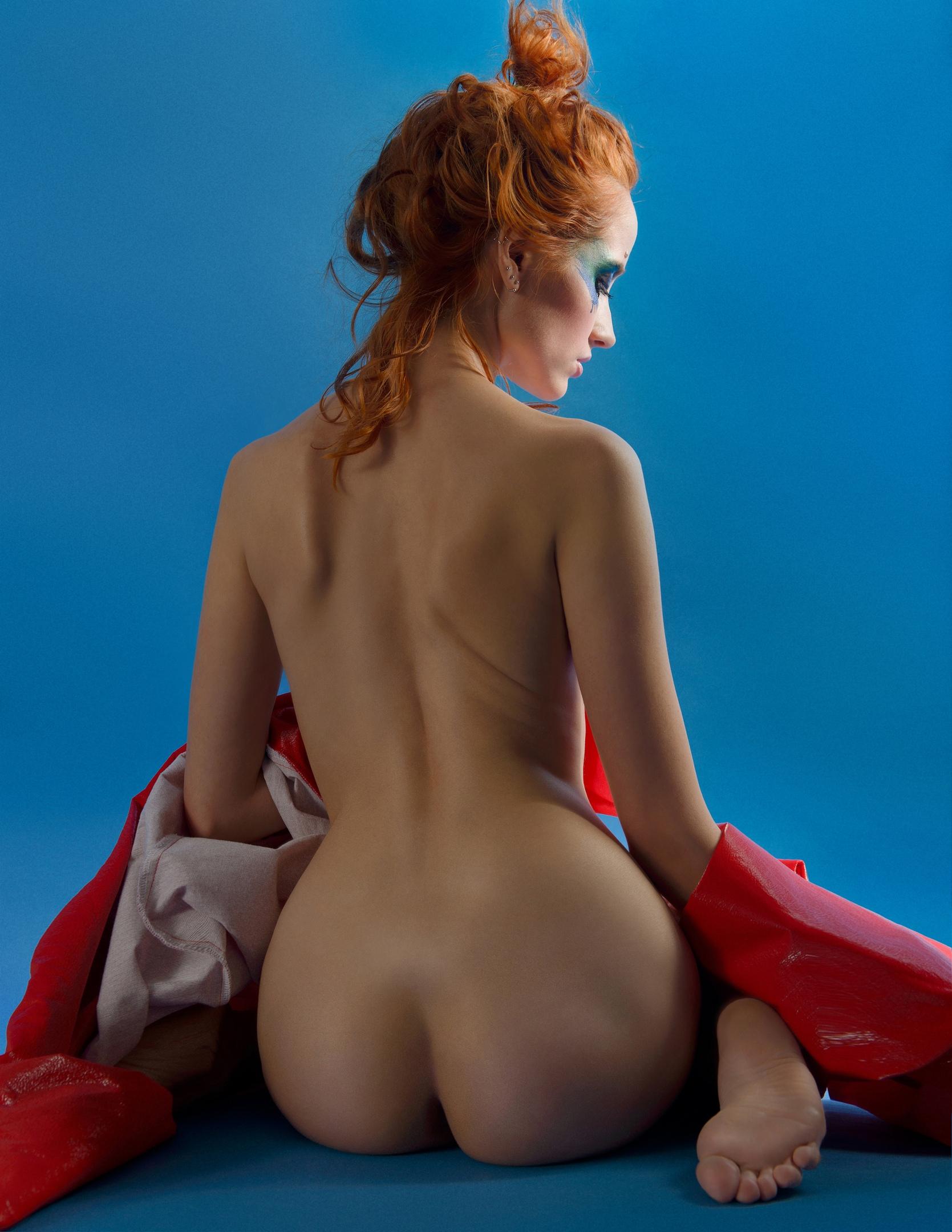 Mua : [id72925479|Марина Дарда] Dress: [id154312501|Екатерина Гаврилова]  https://www.youngfolks.ru/pub/photograph-olga-yakovleva-model-alexia-iordanova
