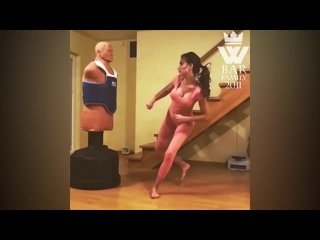 SLs Amazing Taekwondo Girl - Fantastic Kicks_Skills