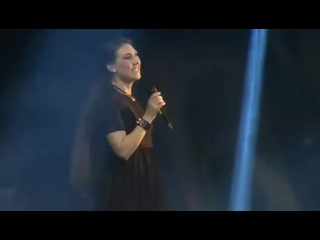 Elize Ryd & Tony Kakko — Julen är här (Live at Raskasta Joulua 2014, Helsingin jäähalli)