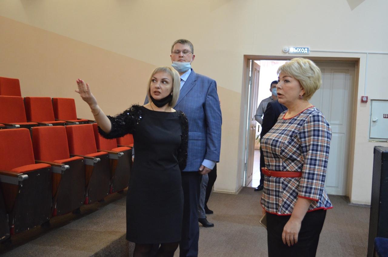 Сегодня Петровск посетила министр культуры Саратовской области Татьяна Гаранина