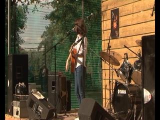 В день памяти Цоя куряне вспомнили творчество советского рок-музыканта