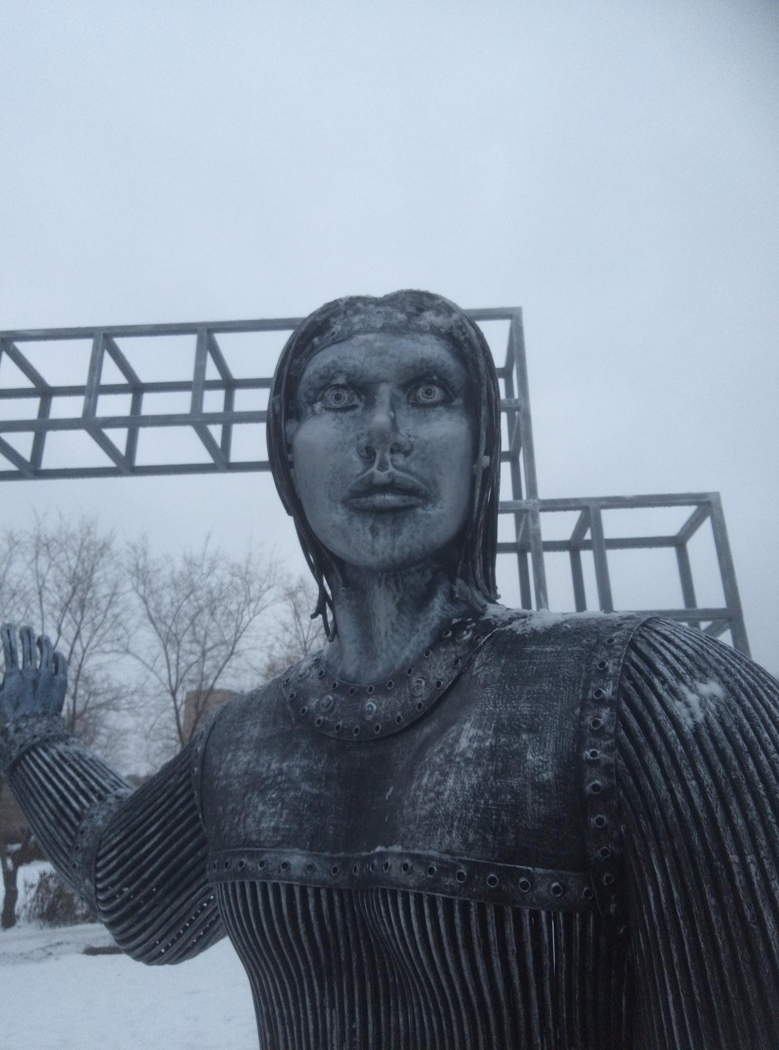 Памятник Алёнке или выколите мне глаза!