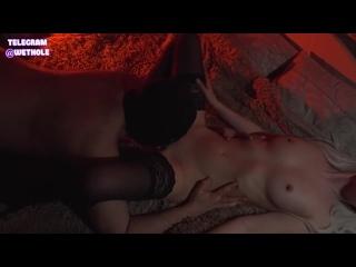 Орет белокурая (блондинки порно русская секс молодая зрелая ебут трахает большие сиськи в чулках худая негр стройн