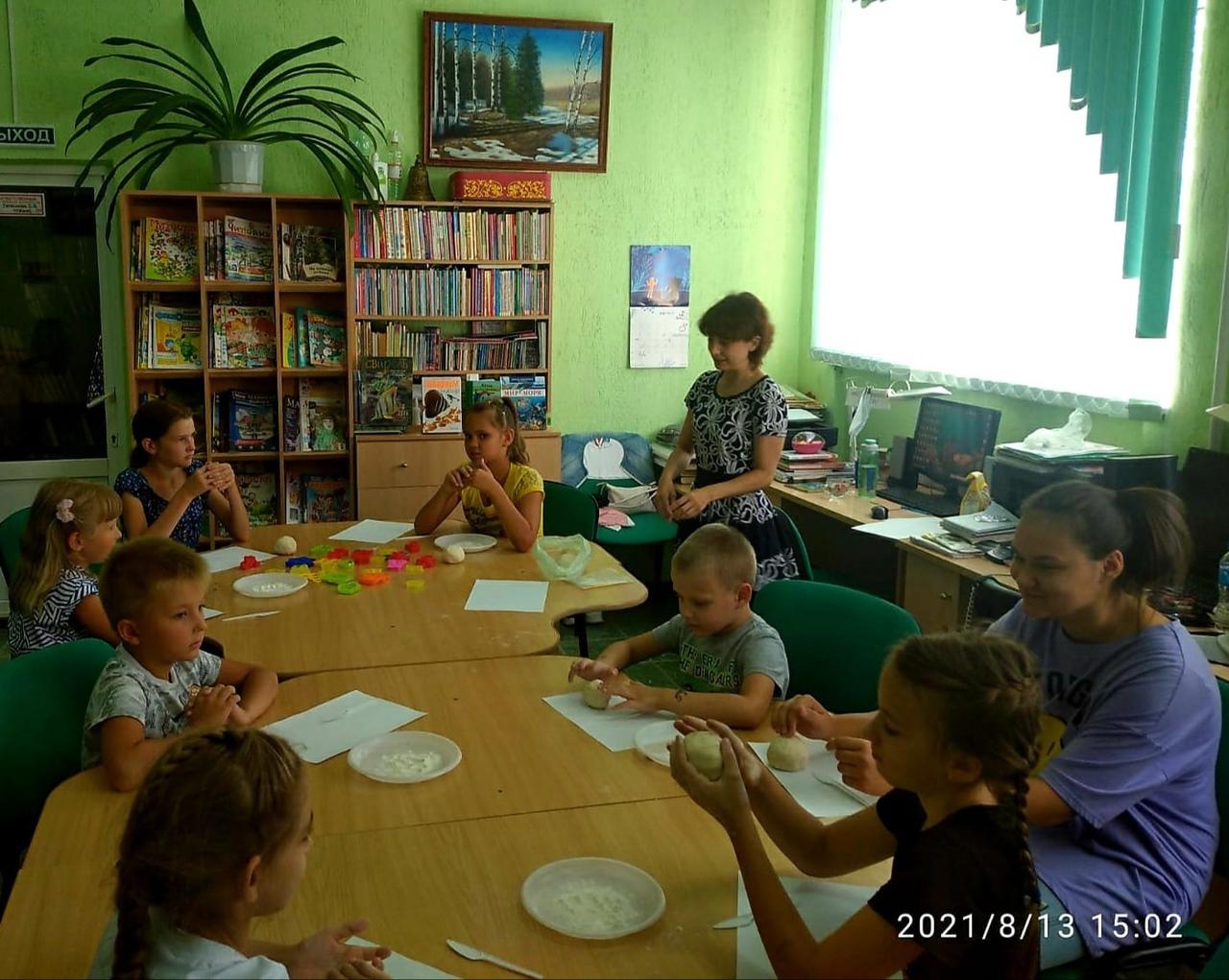 В детско-юношеской библиотеке Петровска идёт фестиваль «Яркий август»