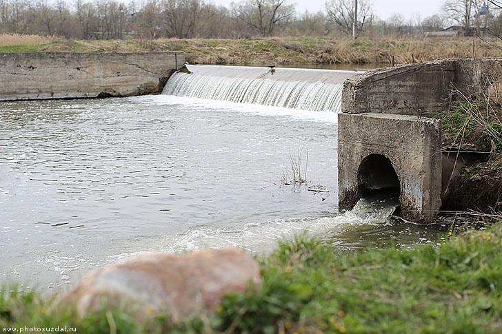 Пропуск паводковых вод на р.Каменка