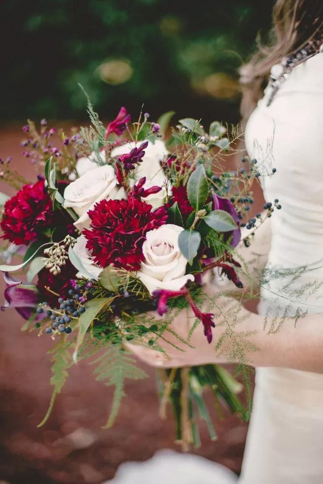 6KxnaGbruOo - Свадебные букеты с гвоздиками - фото