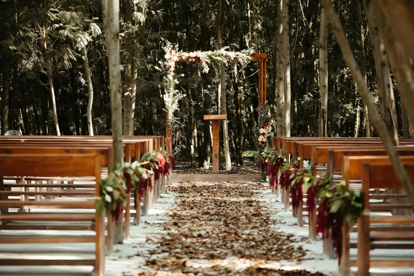 JnzSqA7GOgw - Арка для свадебной церемонии в 2021 году: 38 идей деревянной свадебной арки