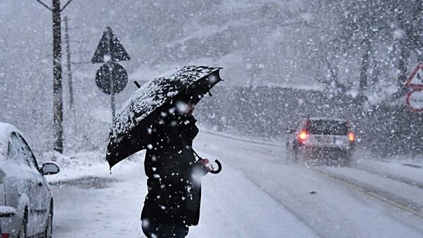 В связи с осложнившимися погодными условиями сотру...