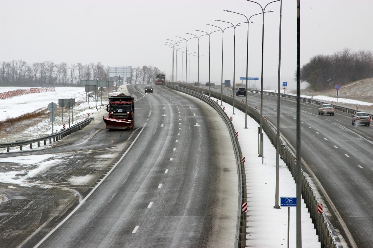 Федеральные дорожники в 5 регионах страны из-за непогоды приведены в режим повышенной готовности