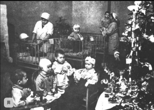 Как ВОЗ Рождество решила украсть: чиновники потребовали не собираться семьями на праздники, изображение №2