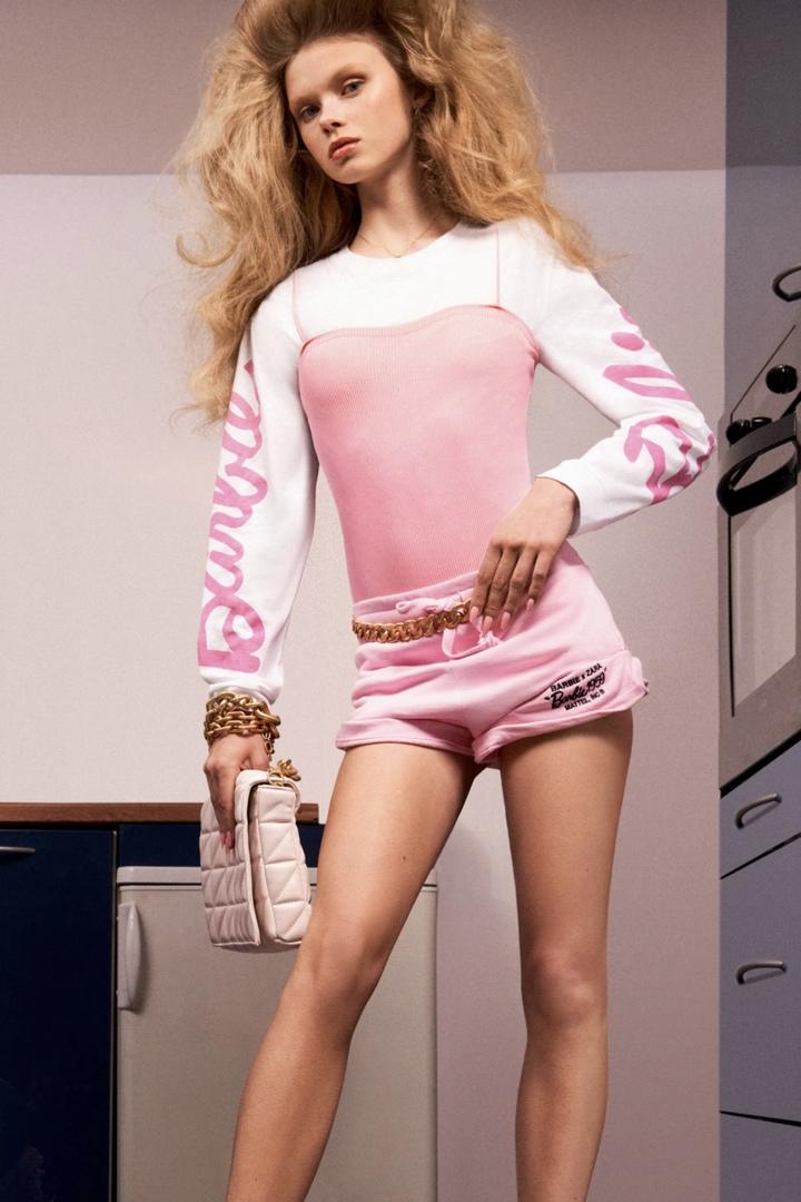 Женщины с фигурами как у Барби в рекламе Zara вывели из себя покупателей