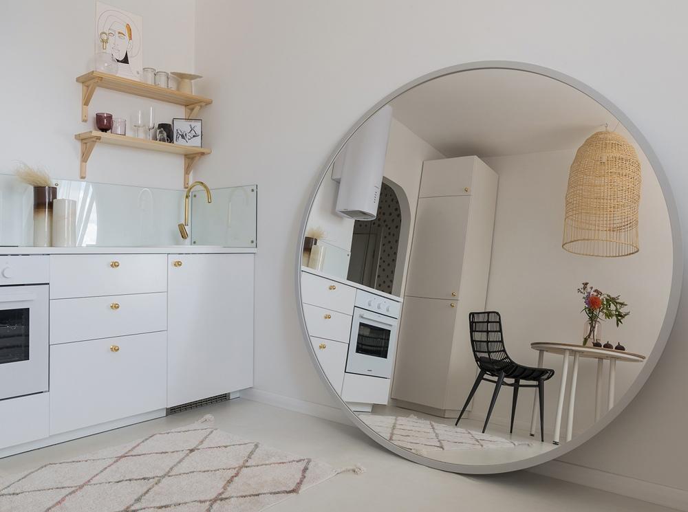 Светлый интерьер квартиры-студии 25 кв.