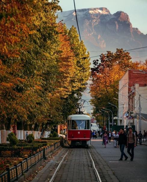 Осень в городе.Автор: Михаил Гассиев#кудапойти15 #...