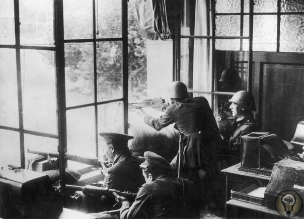 Гражданская война в Испании: на баррикадах Барселоны (1936) Испанская гражданская война началась 17 июля 1936 года. Через три дня военные попытались захватить Барселону и потерпели