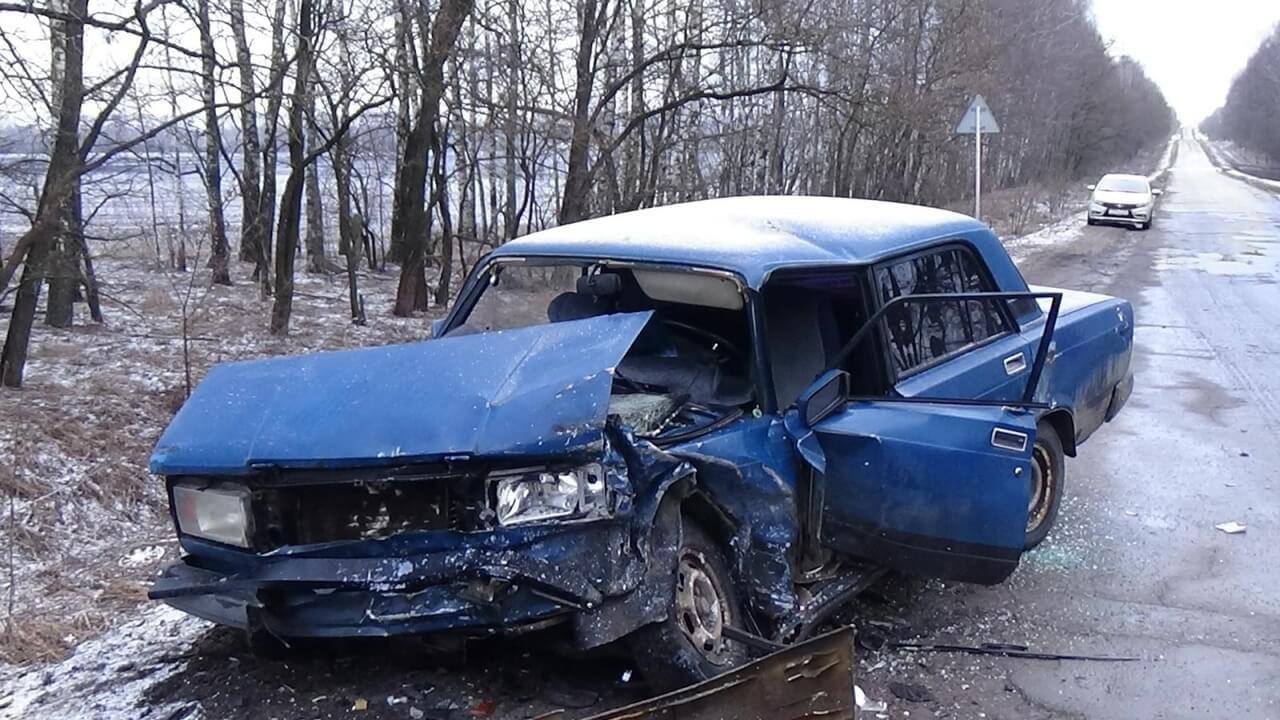 Пять человек пострадали в ДТП с пьяным водителем под Орлом