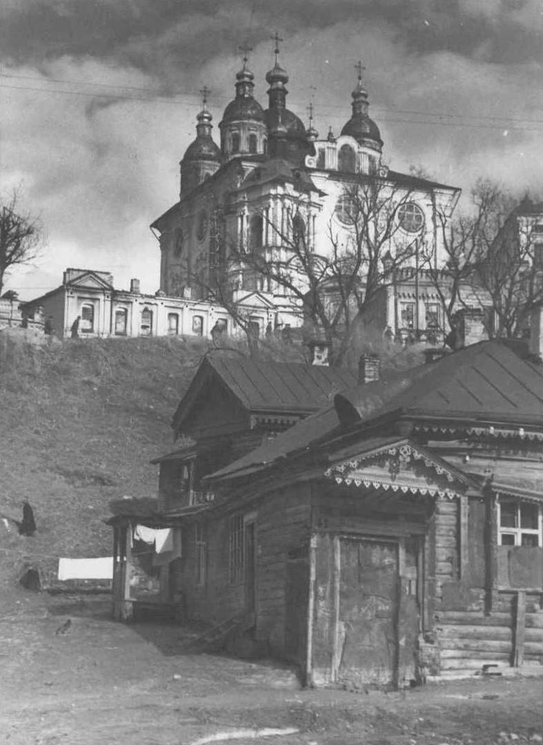 📸 УСПЕНСКИЙ СОБОР заложен в августе 1677 московским каменных дел подмастерьем А...