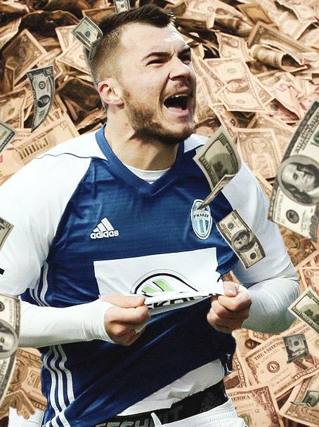 Комличенко – глупец. Он выбрал деньги, а не карьеру