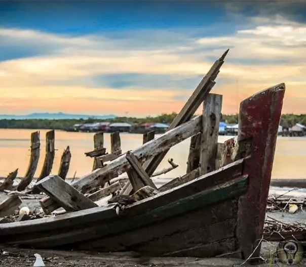 Потерянный во времени - Флор де ла Мар В 16 веке в результате кораблекрушения в Индийском океане затонуло одно из крупнейших в мире сокровищ. Да, речь идет об утерянном сокровище Флор де ла Мар,