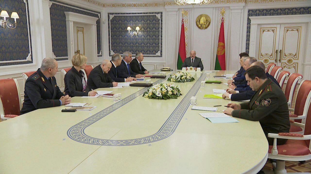 Лукашенко собрал совещание по «административке»: штрафы получали более 50% белорусов