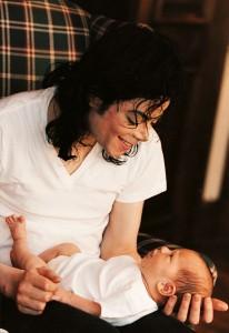Майкл и новорожденный Принс