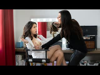 Karma Rx, Jane Wilde - Celeb Smackdown (Lesbian, Big Tits, Brunette, Natural Tits, Tatoo, Pussy Licking)